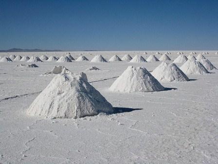 salt-salar-de-uyuni-bolivia